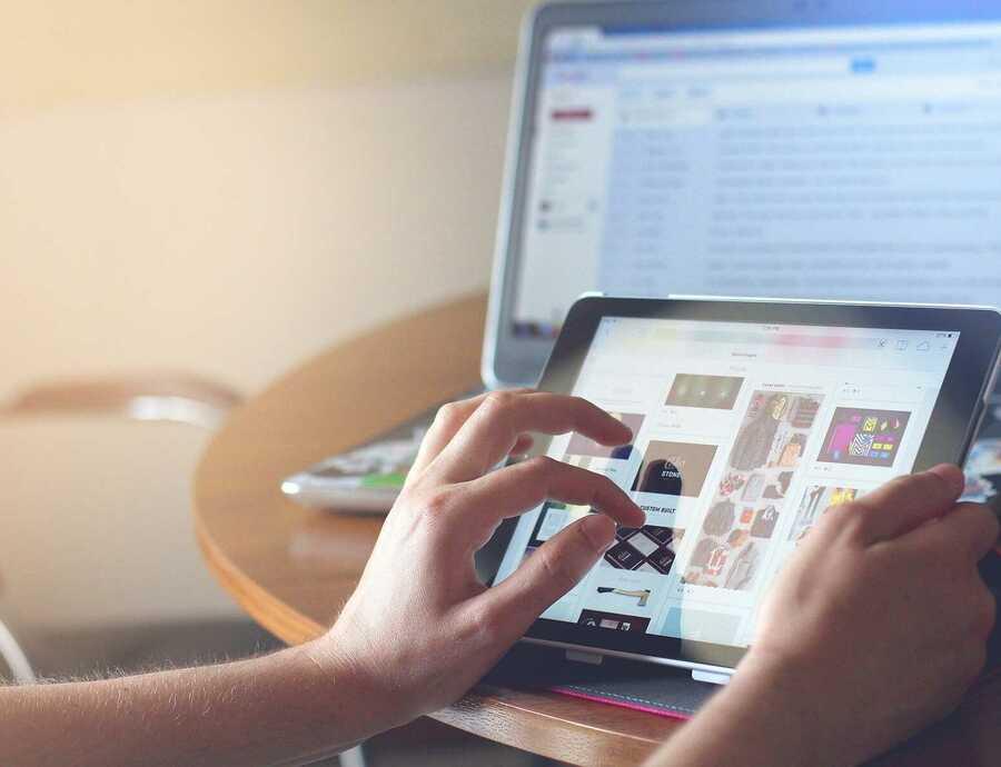 """""""Internetregels zijn dringend aan vernieuwing toe"""""""